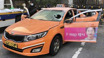Felgyújtotta magát egy dél-koreai taxis a szöuli parlament előtt