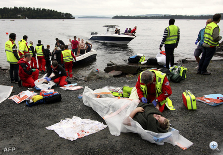 Sérült nőt mentettek ki a háttérben látható Utoya szigetéről