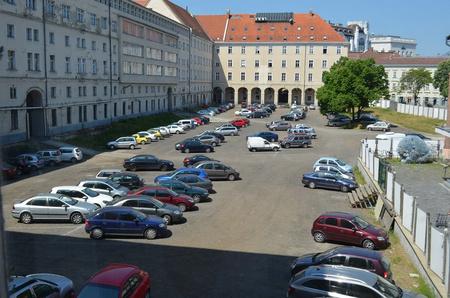 A parkolónak használt udvar most - fotó: LMP