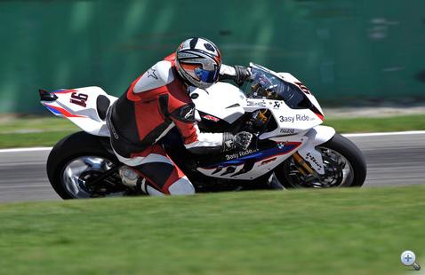 Négy körig én voltam Leon Haslam, a BMW Superbike projektjének eddigi legsikeresebb versenyzője