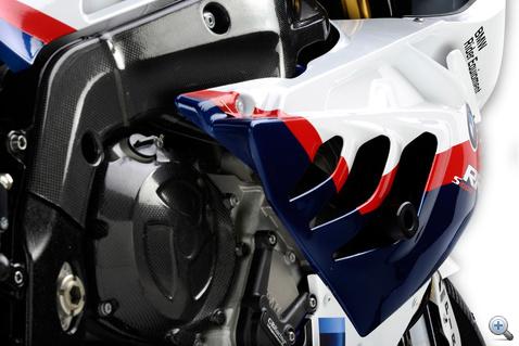 A Superstock motor blokkjának ugyanúgy kell kinéznie, mint a gyárinak
