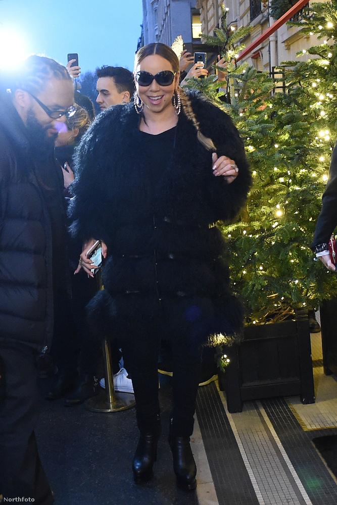 Mikulás napján Mariah Carey megérkezett Párizsba, mert már zajlik évi rendes karácsonyi kampánya