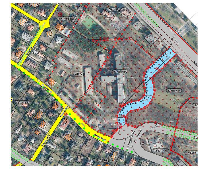 A kérdéses önkormányzati/honvédségi terület térképe egy önkormányzati dokumentumban. A lakópark a képen az IZ-XII/AI1-es kóddal jelzett telken épülne a tervek szerint.