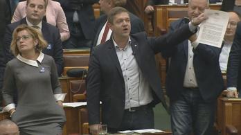 Így fütyülte szét az ellenzék a fideszes eljárást