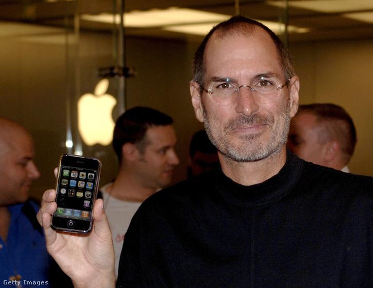Steve Jobs és az iPhone 2007. szeptember 18-án.