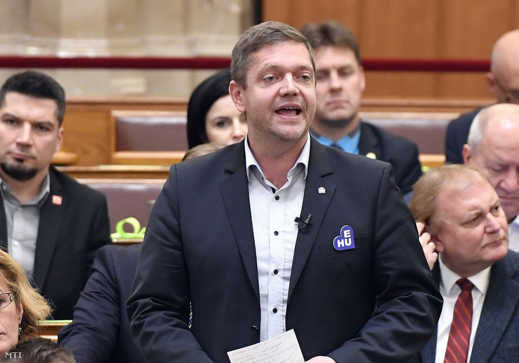 Bertalan Tóth, floor leader of the Hungarian Socialist Party speaking in the Parliament on 10 December 2018.