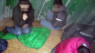 Tehervonaton próbált bejutni az országba öt afgán