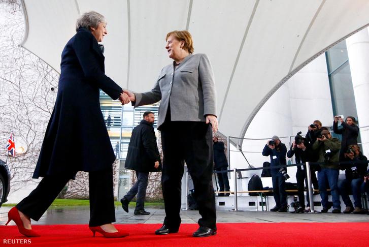 Angela Merkel és Theresa May talákozója Berlinben 2018. december 11-én