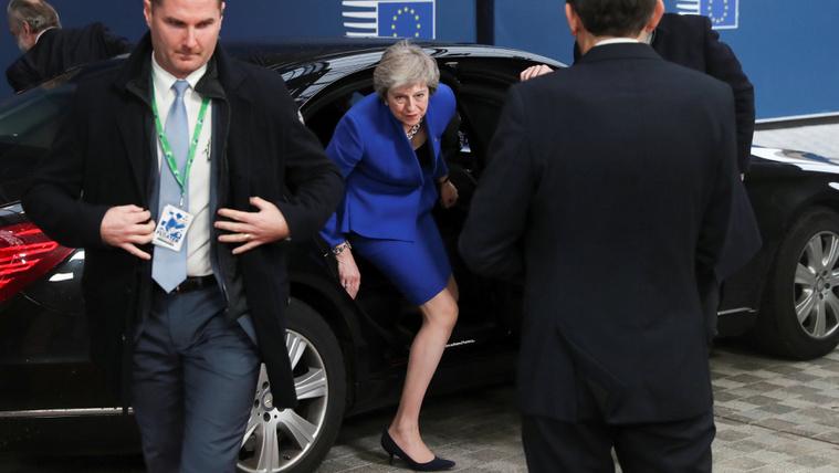 Pokoli hetek várnak a brit politikusokra