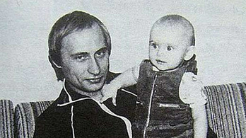 Kreml: Putyinnak lehetett Stasi-igazolványa