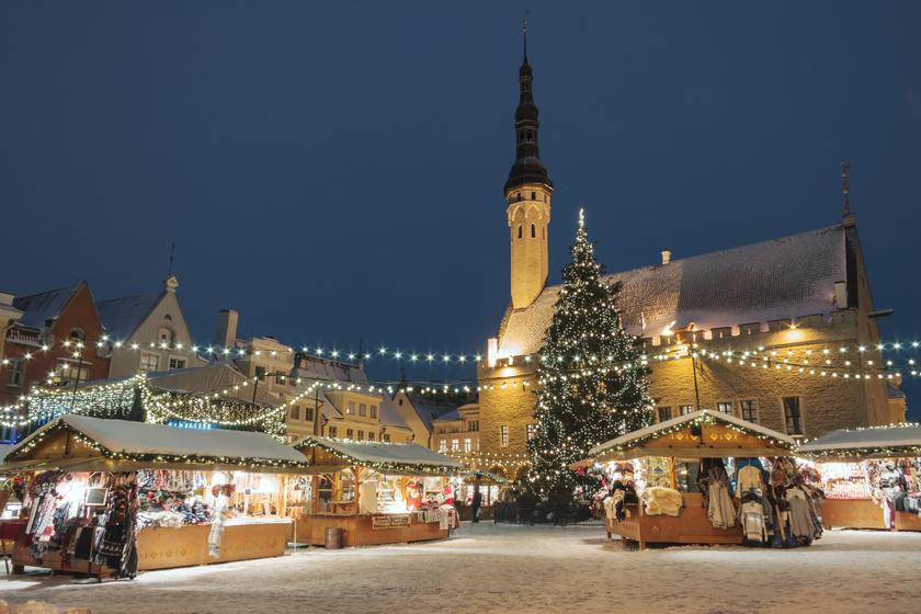Az idei győztes nem a szomszédban van, aki azonban érez magában kalandvágyat, ki ne hagyja az észt fővárost, Tallinnt. A legjobb karácsonyi vásárnak választott börze különleges hangulatával elvarázsol.