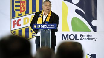 A felvidéki magyarok kértek Orbántól egy iskolát, stadiont kaptak