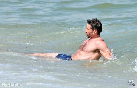 Hugh Jackman a vízben