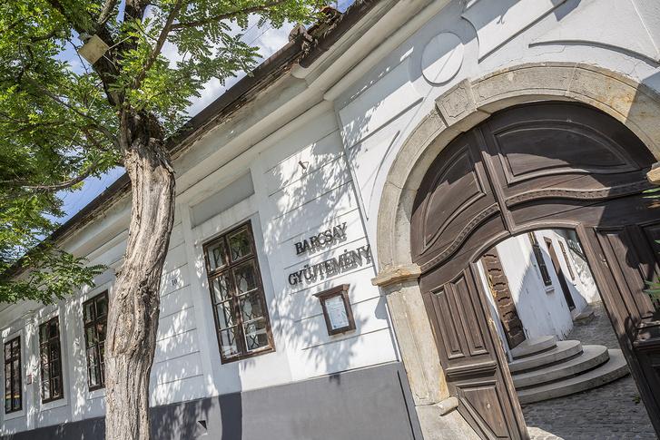A Barcsay Múzeum Szentendrén. A 19. század elején épült klasszicista stílusú polgárházat maga Barcsay választotta ki. Jelenleg nem látogatható az állandó kiállítás