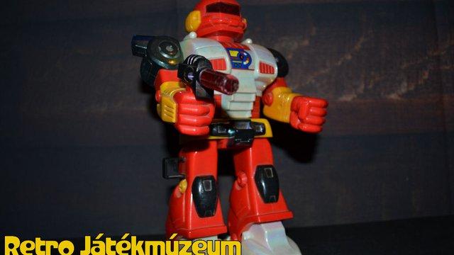 Elemes robot a múltból