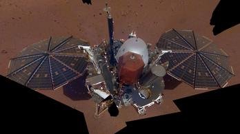Szelfizett egyet az InSight a Marson