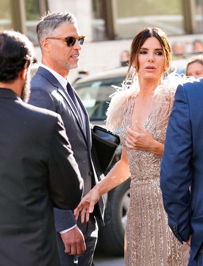 Egy ritka alkalom: Sandra Bullock és Bryan Randall együtt érkeztek az Ocean's 8 premierjére.