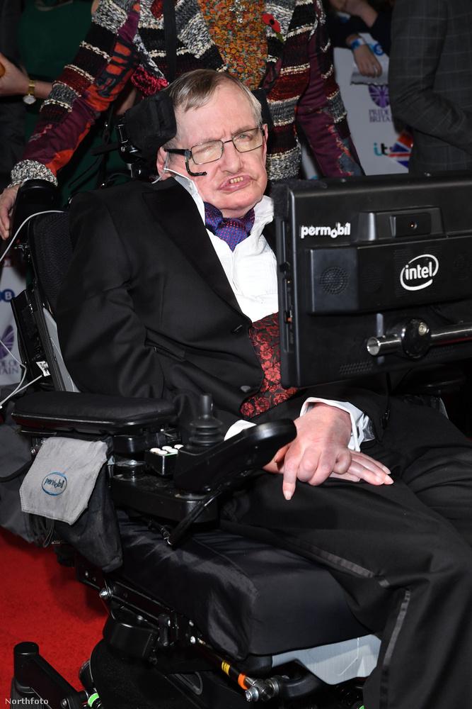 Stephen Hawking fizikus és író volt, 76 évet élt, március 14-én halt meg