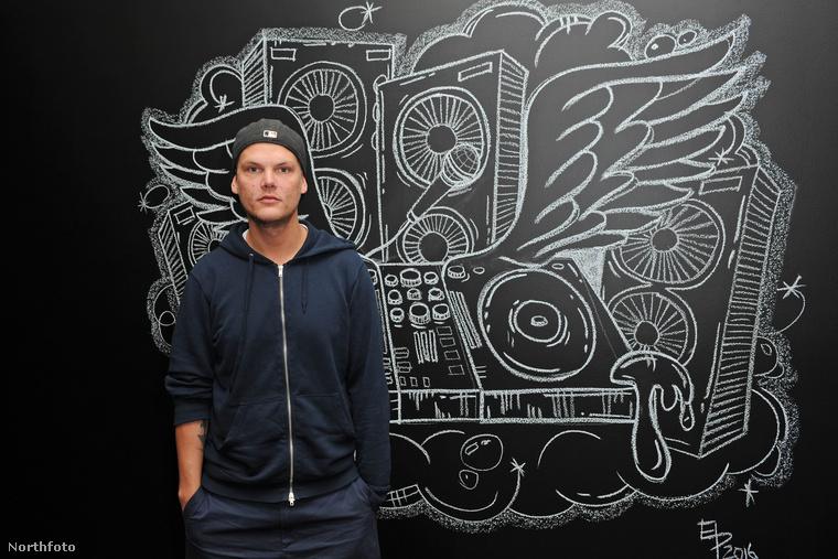 A képen a svéd Tim Bergling látható, a közönség az Avicii művésznévvel ismerhette meg