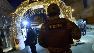 Páncélosokkal védik a karácsonyi vásárt