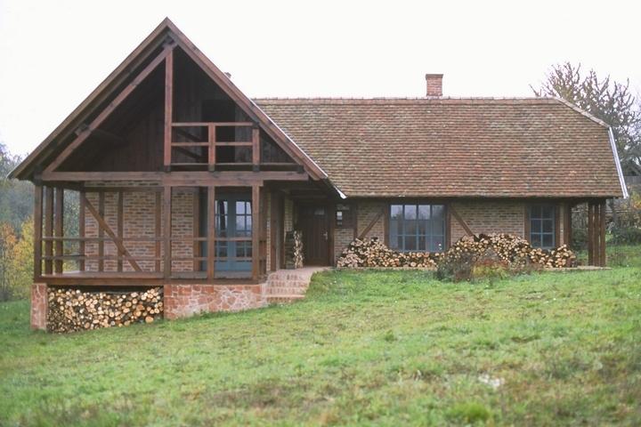 U. Nagy Gábor Kétvölgyre tervezett nyaralója - kép a házat bemutató filmből