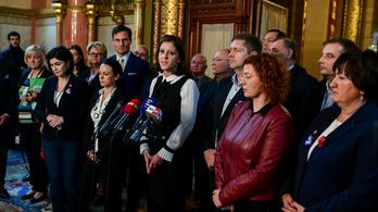 Félmilliós büntetéseket kaptak az ellenzéki politikusok Kövértől