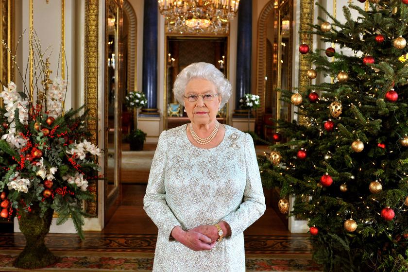 Karácsonyi díszbe borult a Buckingham-palota - Elámulsz, olyan gyönyörű