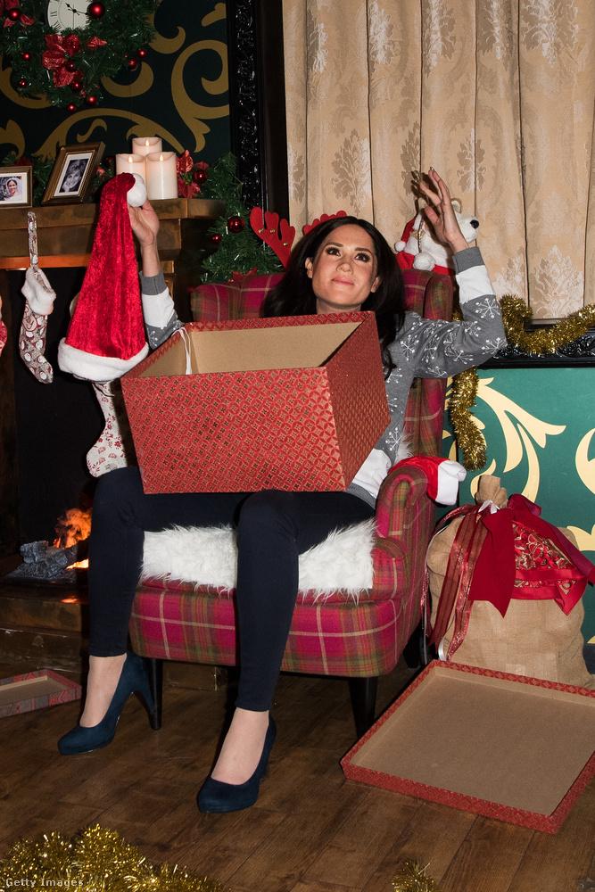 Meghan hercegné nem kapott semmit karácsonyra? Vagy azt a mikulássipkát kapta? Vagy mi történik?