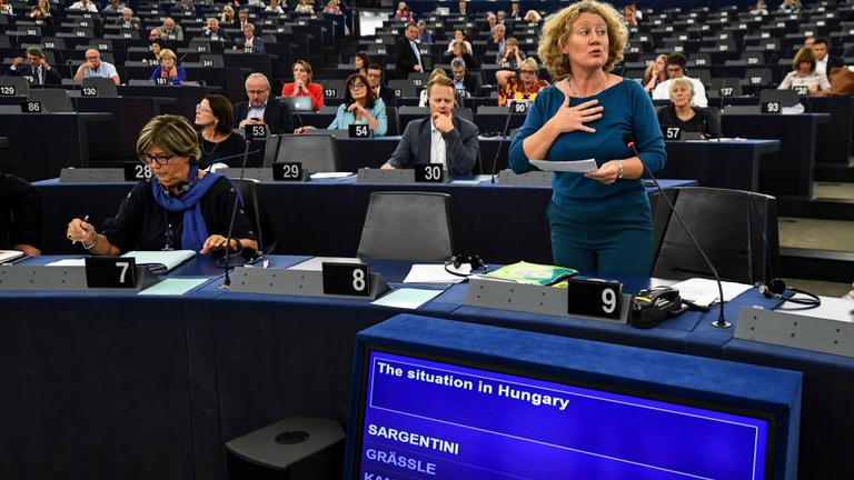 Kilenc uniós ország rosszallja leginkább a magyar jogállamiság gyengülését