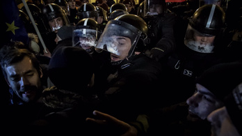 Pintér: Rendbontók zavarták meg a demokráciát
