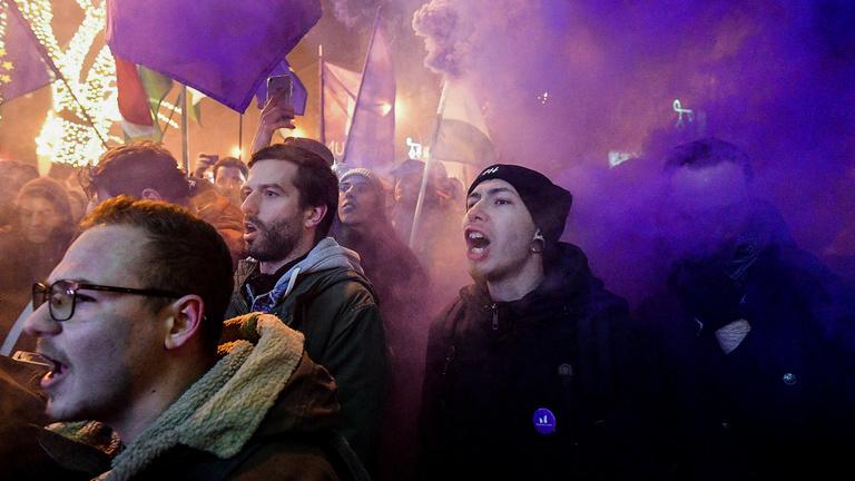 Füstbombázásért meggyanúsították Fekete-Győr Andrást