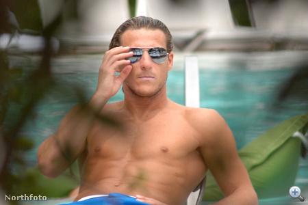 Diego Forlán Miamiben nyaral