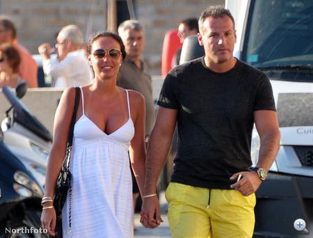 Tamara Ecclestone és barátja, Omar Khyami Saint-Tropez-ban nyaralnak