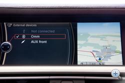 Pikk-pakk összelőjük egymással a telefont és az autót, teljesen mindegy, milyen gyártmány az előbbi