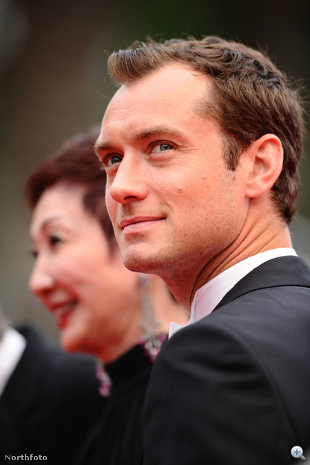 2011. május vége: Jude Law még borotváltan a Cannes-i filmfesztiválon