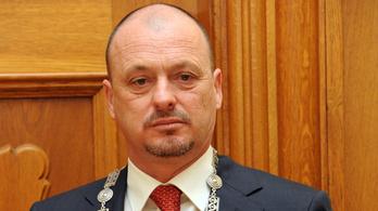 Volt fideszes képviselő is fillérekért bérelhet önkormányzati lakást a Várban