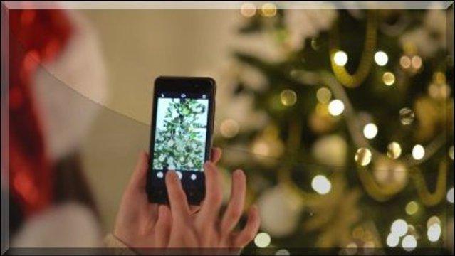 Ha okostelefon kerül a karácsonyfa alá