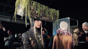 A divatvilág huligánjáról szól az év legjobb dokumentumfilmje – Kritika a McQueen című dokumentumfilmről