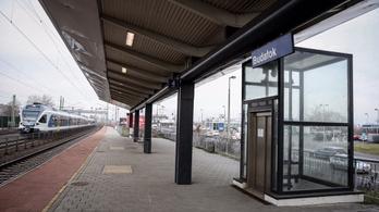 Miért rosszak mindig a felújított vasútállomások liftjei?