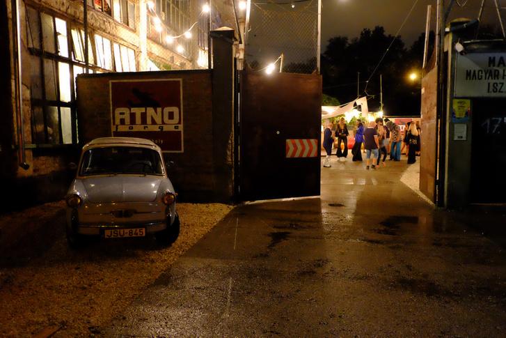 Jó pár kollégát mentettem ki a szakadó esőben az Atno Forge partijáról, éjjel a Bianchival