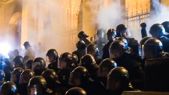 A csütörtök esti tüntetés legerősebb jelenetei