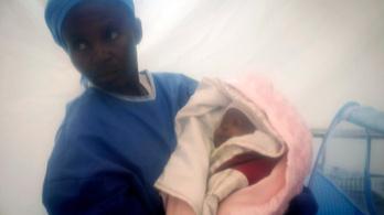 Túlélte az ebolát egy újszülött kongói kislány