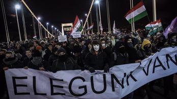 Publicus: A többség egyetért az utcai tüntetésekkel