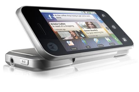Motorola Backflip - szeretnek kísérletezni a formákkal.
