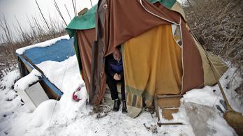Egyre több hajléktalant űz a melegedőbe a havazás