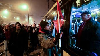 Korlátozzák a tömegközlekedést a vasárnapi tüntetés miatt