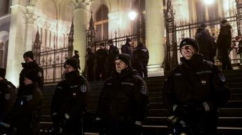Pintér: Nem volt megalapozott a tüntetések idején eljáró rendőrök azonosítását érintő panasz