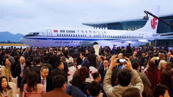 Megnyitották az első Boeing-gyárat Kínában