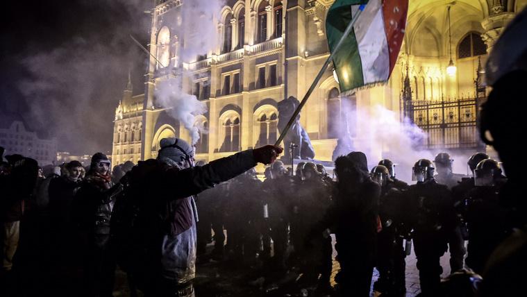 Az ellenzék szerint a Fidesz provokátorokkal készül a vasárnapi tüntetésre