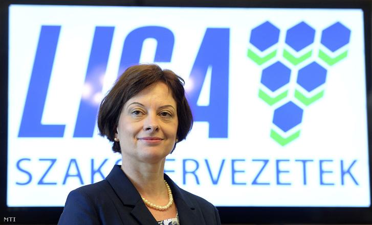Doszpolyné Mészáros Melinda a Liga Szakszervezetek (Liga) elnöke a szakszervezet budapesti székházában 2016. május 30-án.